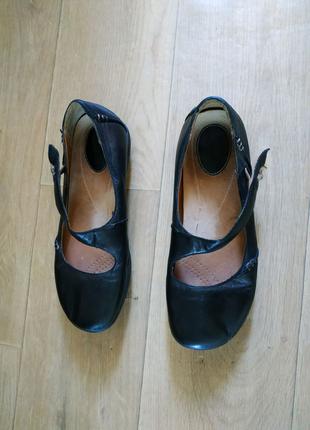 Шкіряні туфлі Clarks 38