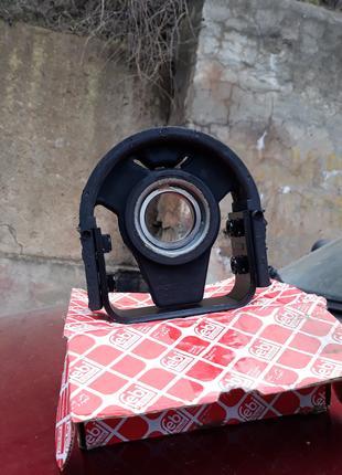 Подвесной подшипник (опора карданного вала)