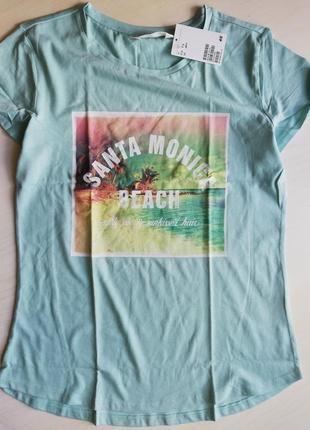 Нлвая футболка мятного цвета