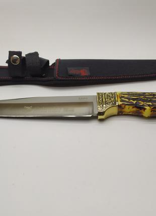 Нож охотничий в чехле