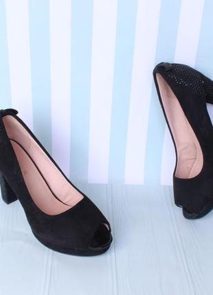 Черные туфли с открытым носком 37 размера