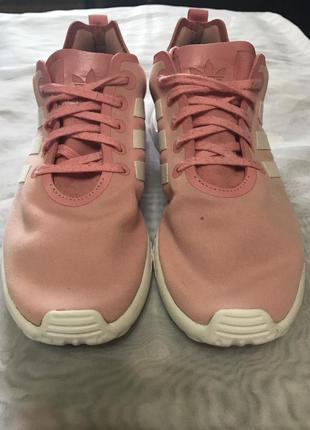 Нежно розовые кроссовки от adidas torsion