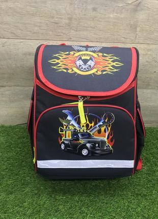 Синий школьный рюкзак для мальчика (черный фургон)