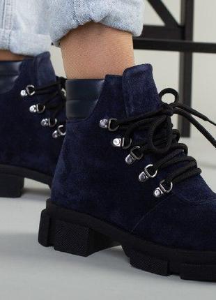 Женские ботинки со шнуровкой на меху