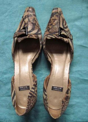 Stuart weitzman (40) кожаные туфли на каблуке