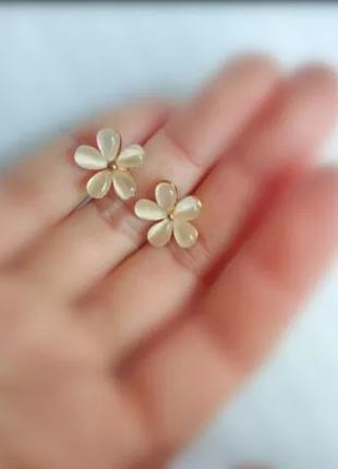 Серьги гвоздики цветы, новые
