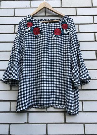 Блузка с вышивкой большого размера