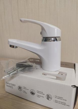 Смеситель для умывальника из термопластичного пластика Brinex 36W