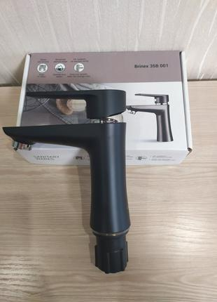 Смеситель для умывальника из термопластичного пластика Brinex 35B
