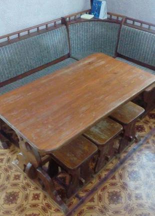 Деревянный мягкий уголок стол 4 табуретки массив дерева лак об...