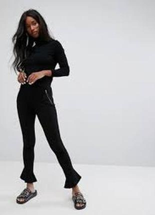 Бомбезные стильные брюки лосины с оборками noisy may высокая п...