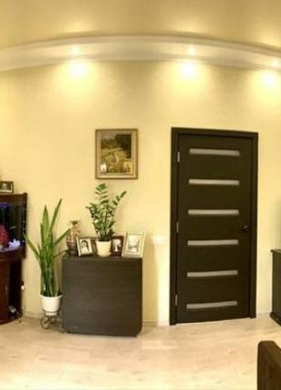 Продается 3-х комнатная квартира в районе ЖД Вокзала с качественн