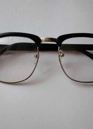Очки с обычным стеклом