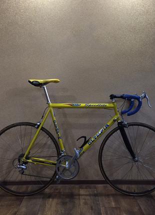 Шоссейный велосипед. Шоссейник Campagnolo. Шоссер Bianchi Colnago