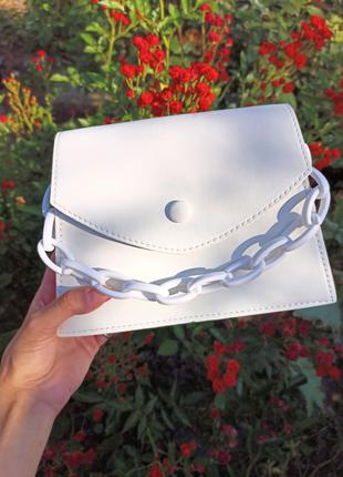 Белая сумка,  тренд 2020