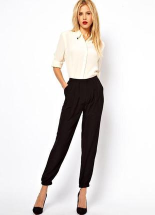 Базовые черные брюки с высокой посадкой