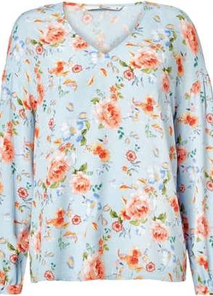 Блузка из вискозы с модными воздушными рукавами в красивый цве...
