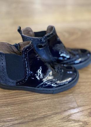 Лаковые ботинки kickers