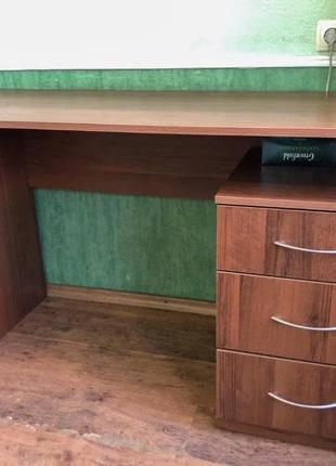 Продам компьютерный стол c тумбой