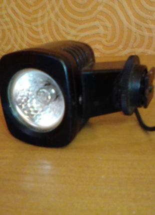 Лампа для видеокамеры