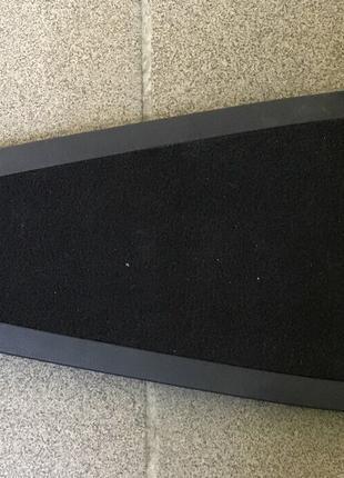 Крышка пола салона над высоковольтным предохранителем Nissan Leaf
