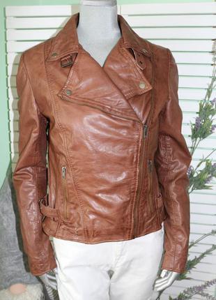 Коричневая кожаная куртка косуха montgomery