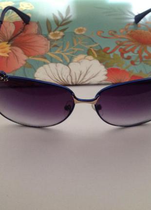 Солнцезащитные очки женские. новые.