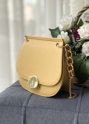 Женская сумка в желтом цвете, из эко кожи