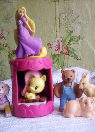 Срочно продам мелкие фигурки животных !!