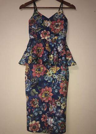 Платье футляр, платье с баской. платье цветное, летнее платье.