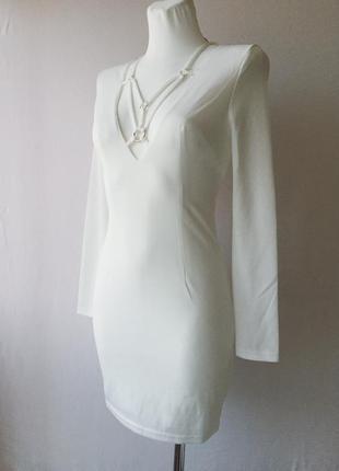 Красивенное белое платье  на выпускной