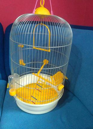 Круглая клетка для попугаев и птиц в отличном состоянии!