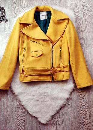 Желтая короткая куртка пальто шерсть кашемир косуха с карманам...