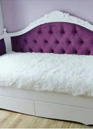 Деревянная кровать Скарлет софа с ящиками и обшивкой тканью.