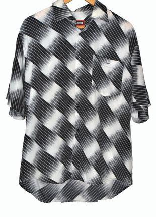 Стильная рубашка черно-белый принт