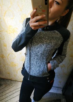 Шикарная косуха куртка кожанка со вставками курточка