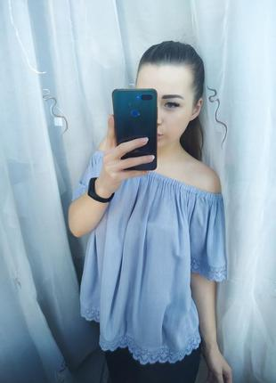 Нежная красивая блузка на плечи