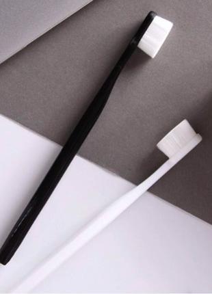 Зубная щетка 22000 микро-щетин