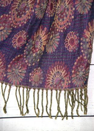 Красивый тонкий утепленный шарф