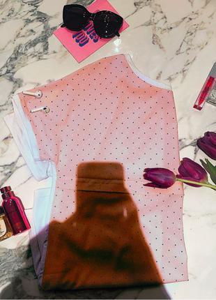 Нежно-розовое платье для беременных