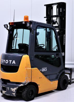 Погрузчик вилочный дизельный Toyota 8-FDKF-20