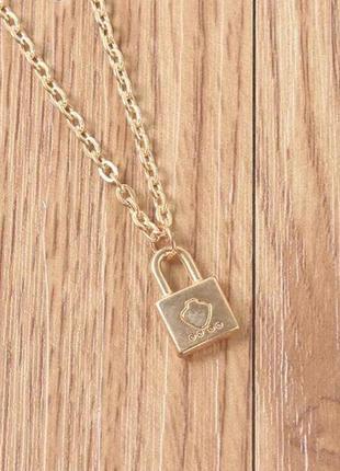 Стильная подвеска кулон золотая цепочка с замком минимализм