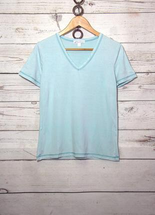 Светло-голубая женская футболка