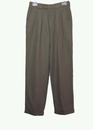 Стильные мужские брюки чинос со складками
