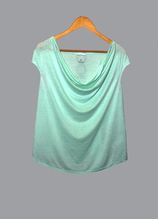 Нарядная футболка с воротником-водопад мятного цвета