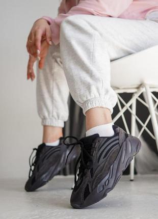 Шикарные женские кроссовки adidas yeezy boost черного цвета (3...