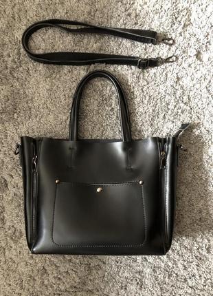 Кожаная черная женская сумка