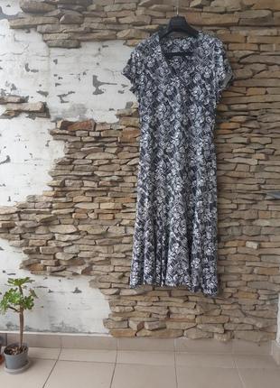Шикарное вискозное платье большого размера