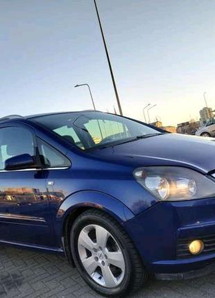 Opel Zafira  1.9  Минивэн