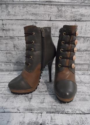 Ботинки на высоком каблуке ldeal размер 35